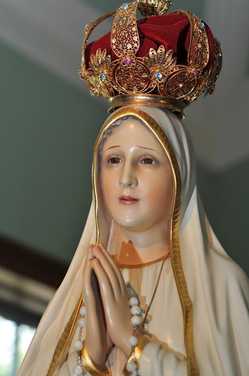 Pilgrim Virgin Statue